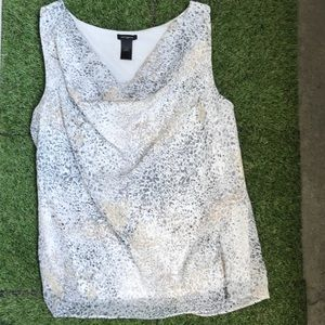 ❤️LIKE NEW❤️ ANN TAYLOR SCOOP NECK TOP